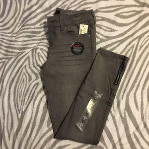 Aeropostale Skinny ankle jeans
